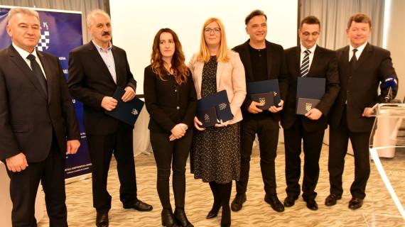Najuspješnijim tvrtkama Šibensko-kninske županije u 2016. dodijeljeno priznanje Zlatna plaketa