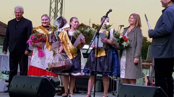 U Orahovici izabrana regionalna Vinska kraljica 2018.